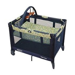 Graco Pack N Play Bassinet and Toy Bar